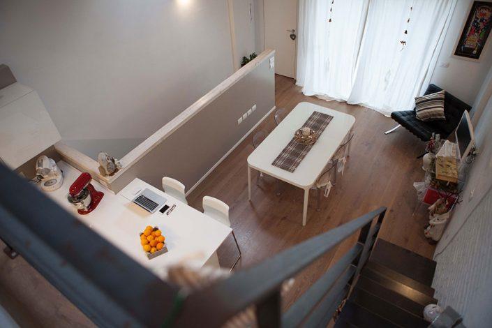 interior design casa con soppalco ancona