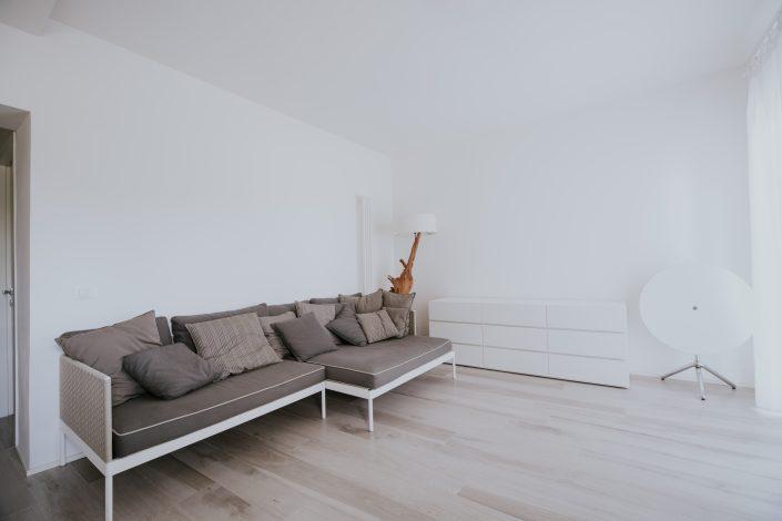 soggiorno minimale pierdominici casa