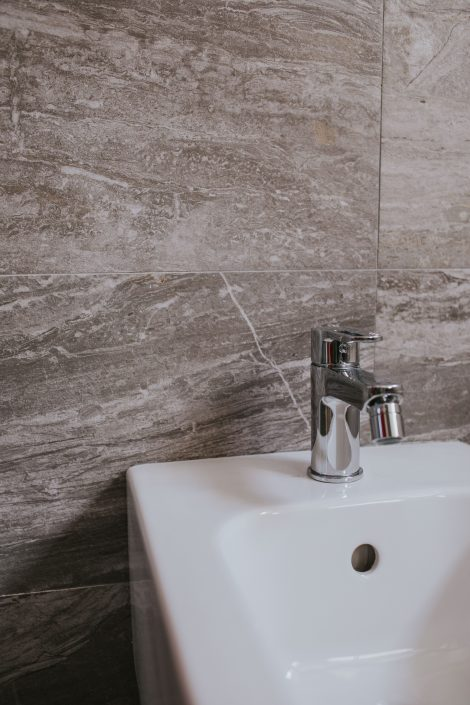 piastrelle bagno marmo ancona