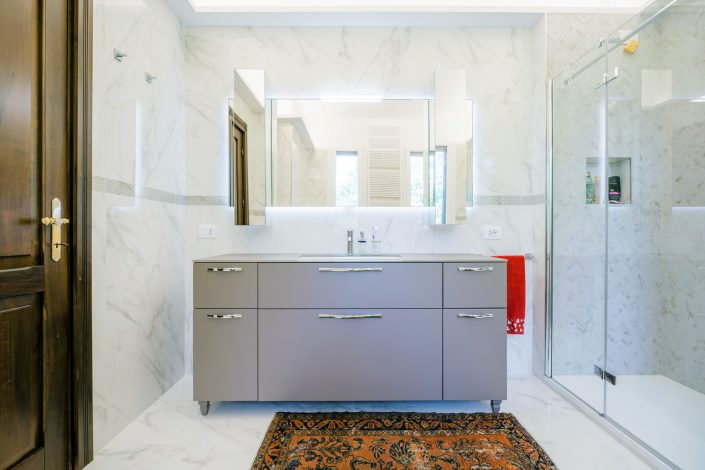 mobile bagno elegante ancona