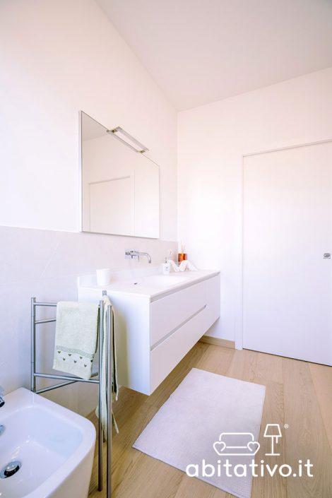 mobile bagno bianco ancona