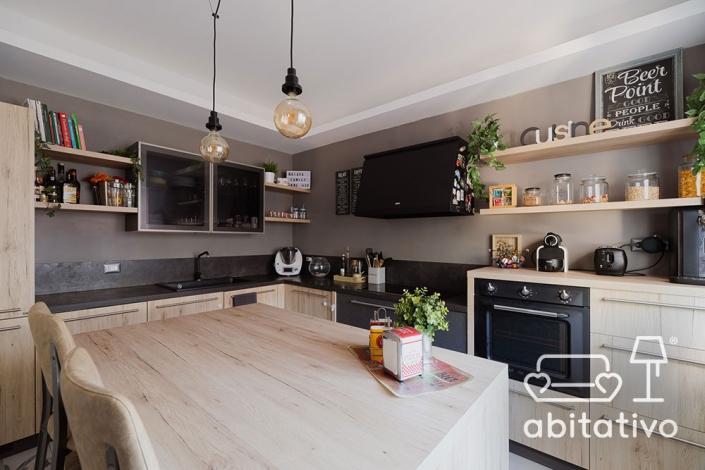 cucina con isola pierdominici casa